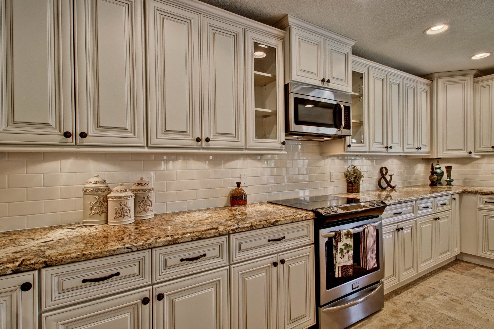31 White Kitchen Cabinets Ideas In 2020 Remodel Or Move