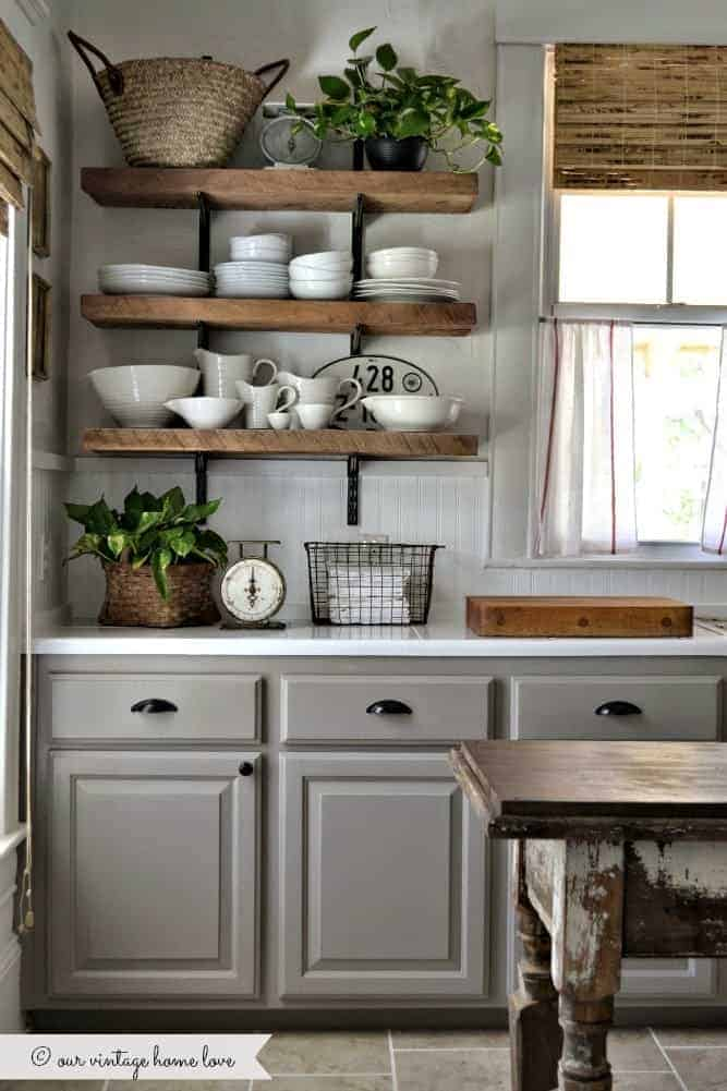traditional-antique-white-kitchen-cabinets-3729023