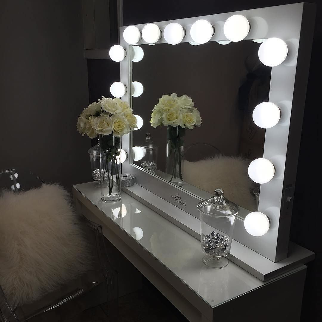 Hollywood Classic Vanity Mirror