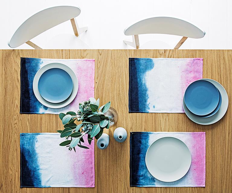DIY Dip-dying Two Colors for a Placemat