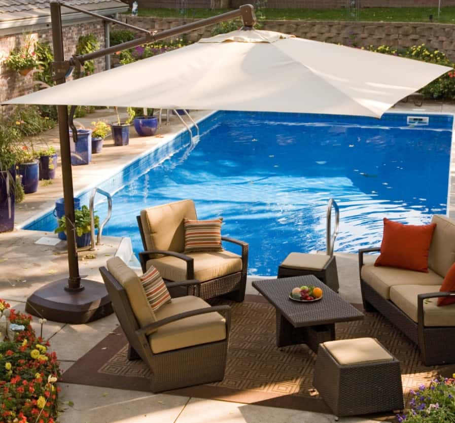 DIY Poolside Patio Umbrellas