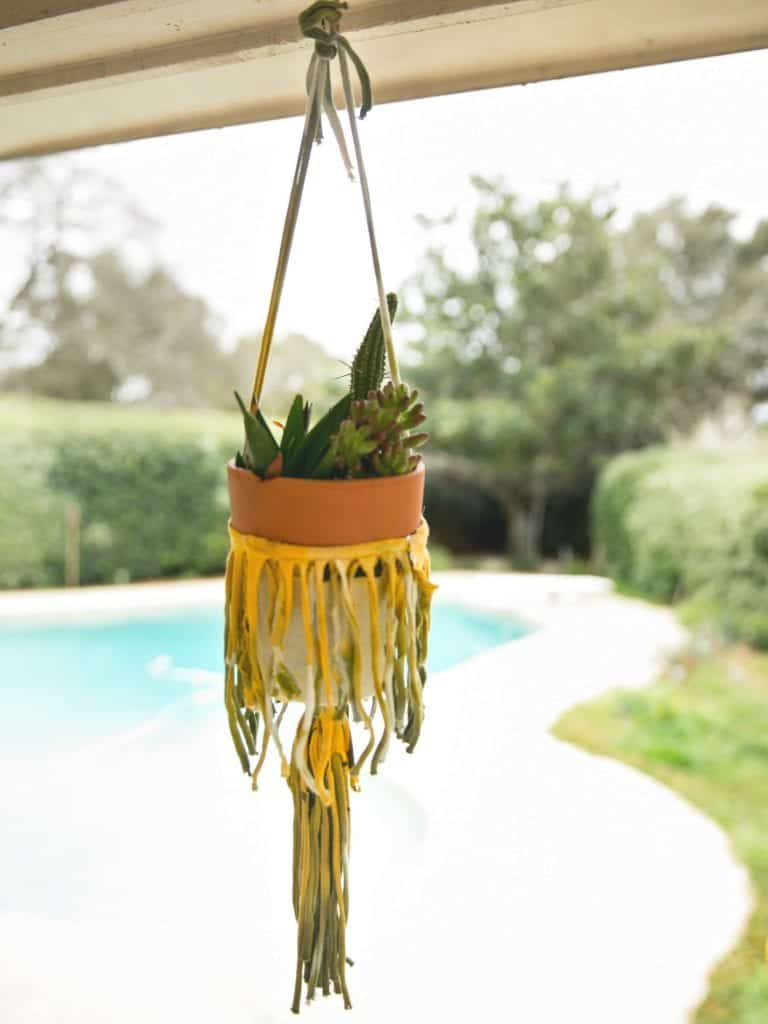 DIY Plant Hanger From An Old t-Shirt